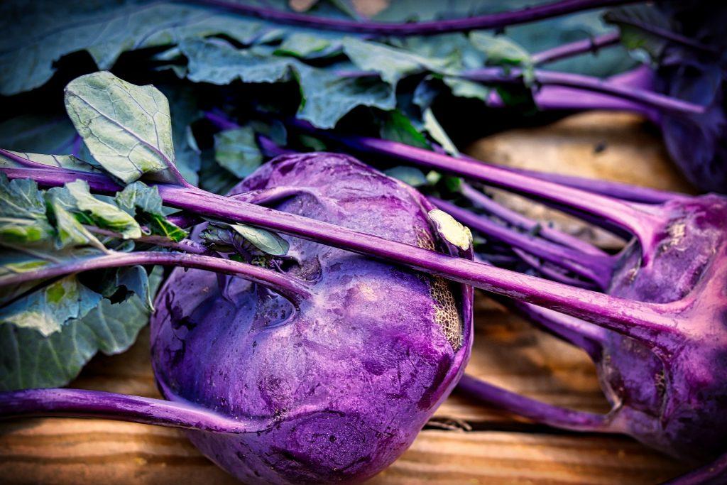 Lista per mese di frutta e verdura di stagione - Cavolo rapa viola